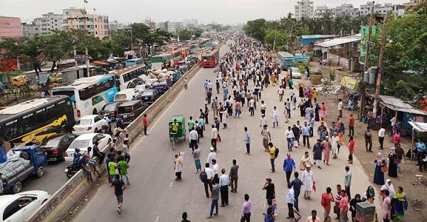 Image result for এবার রাজপথে নেমেছেন পরিবহন শ্রমিকরা